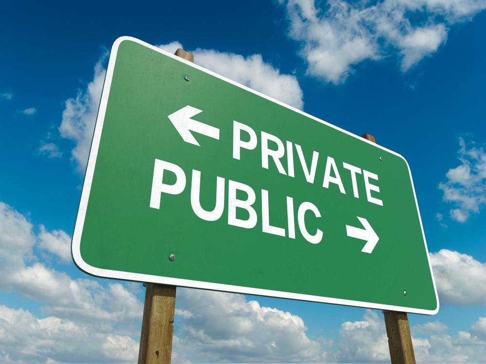 Investor Academy - public vs. private companies